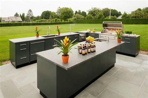 advantages    outdoor kitchen island
