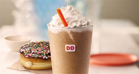 Dunkin' donuts is now offering candy for breakfast in the form of your morning coffee. Dunkin' Donuts Is Bringing the Campfire to Your Coffee | Influenster Reviews 2020