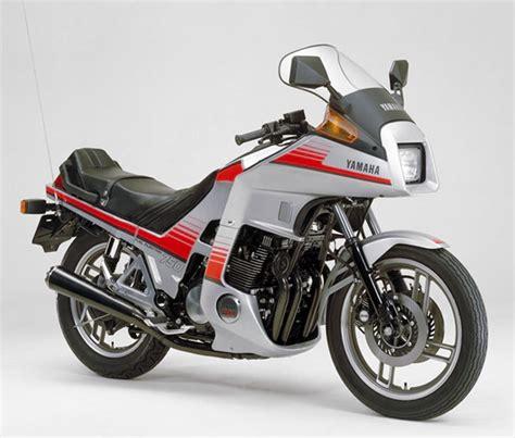 Fußrasten hinten paar Yamaha  XJ 900 S DIVERSION 4KM 1994-2003
