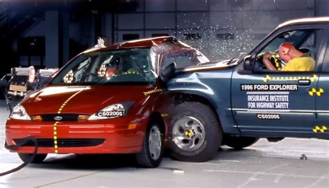crash test si鑒e auto iihs explains side impact crash test autoevolution