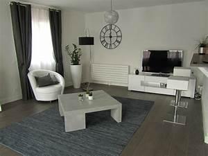 idee peinture salon noir et blanc With deco mur blanc et gris
