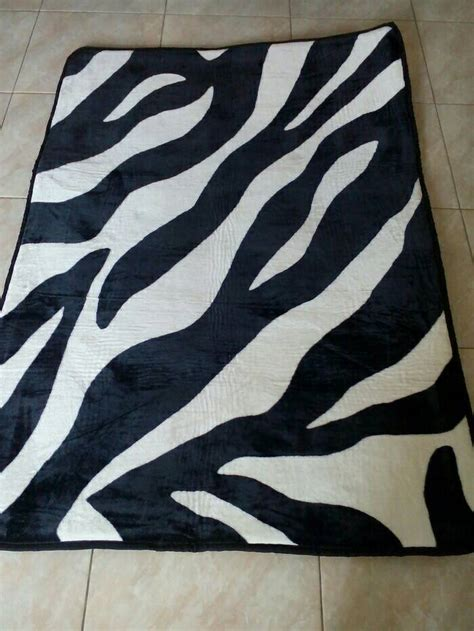 Karpet Karakter Motif Zebra jual karpet bulu motif zebra shin seshop