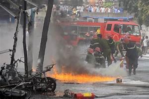 Hanoi: Fuel tank catches fire near hospital - News VietNamNet