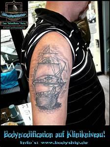 Tattoo Schwarz Weiß : tattoo galerie ~ Frokenaadalensverden.com Haus und Dekorationen