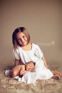 Newborn And Older Sibling Picture Ideas Older Sibling With ...