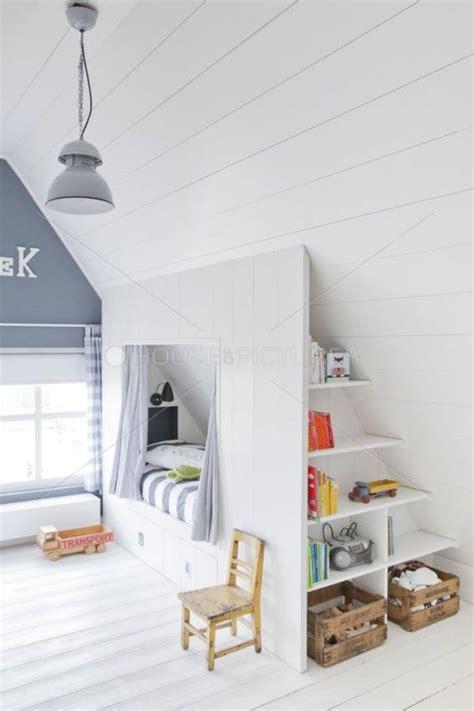 Kinderzimmer Mit Dachschräge by Sch 246 Nes Helles Kinderzimmer Mit Dachschr 228 Ge Tolle Idee