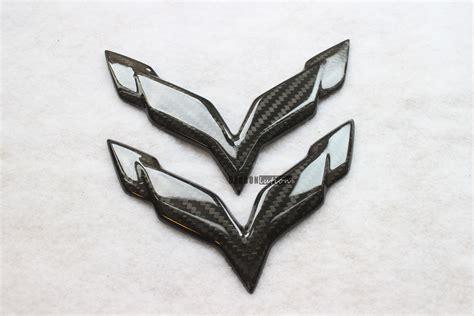 carbon fiber emblem  corvette stingray