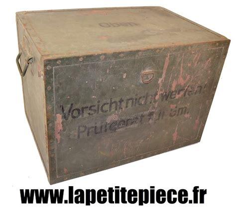 bureau de caisse caisse de transport allemande matériel radio ou bureau de