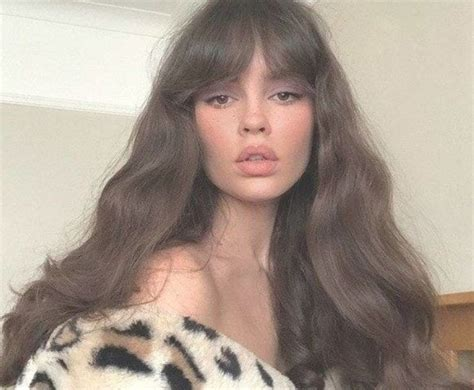 8 different types of bangs to try in 2019 (with inspo