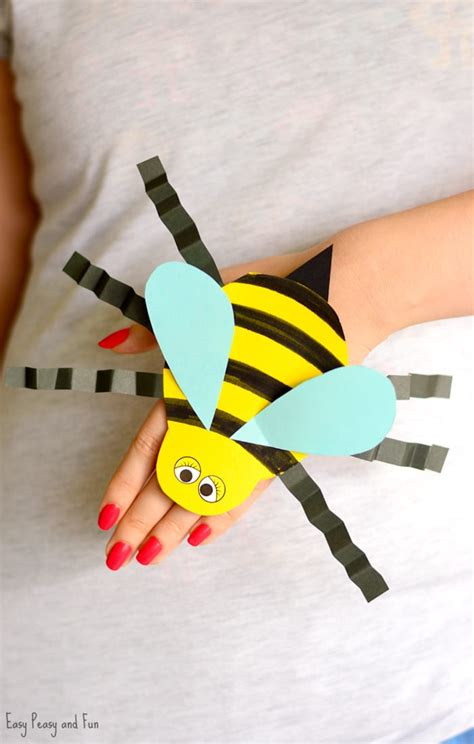 bee paper puppet template easy peasy and 854 | Bee Paper Hand Puppet Template Craft for Kids