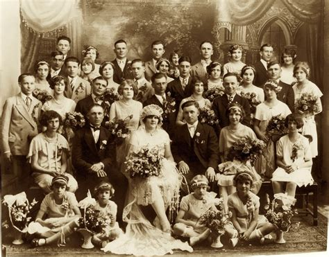 Choosing the Right Format When Writing Your Family History - The Writers For Hire