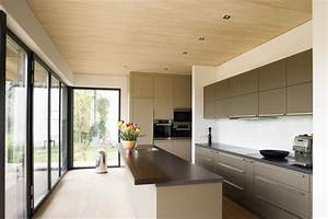 Wohnzimmer Holz Modern : holzdecke modern hell m bel ideen innenarchitektur ~ Indierocktalk.com Haus und Dekorationen