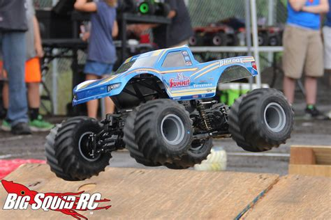 new monster truck videos jconcepts shows off new monster truck bodies 171 big squid