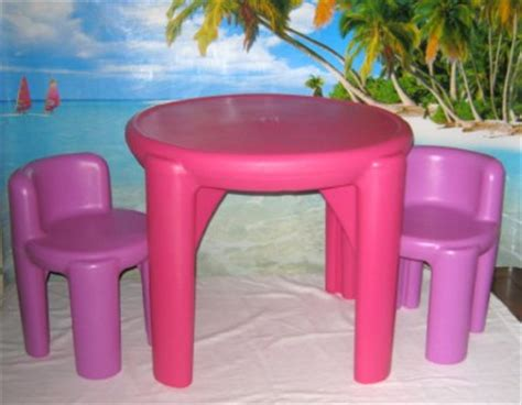 little tikes boys and girls childs table and chairs set