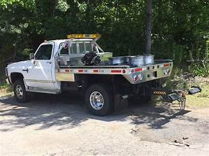 White Chevrolet Flatbed 1986 Pickup Great Condition For