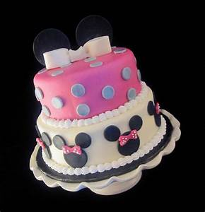 Minnie Mouse Cake 7