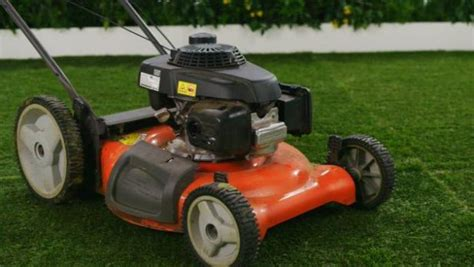 how to clean lawn mower how to clean a lawn mower video hgtv