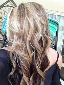 4 Impactful Lowlights In Blonde Hair