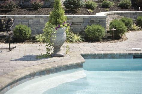 landscaping  swimming pool modern pool
