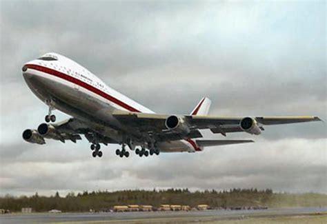 boeing  jumbo jet long range passenger heavy cargo