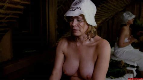 chelsea handler nude again see her boobs in sex tape pics