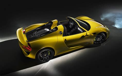 porsche spyder yellow 2014 porsche 918 spyder yellow static 6 1920x1200
