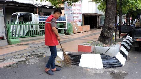 Cara membuat sapu pembersih yg profesional karya anak buah cv. Cara Melamar Di Sapu Jalanan Semarang : Portal Karir ...
