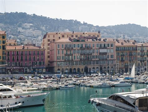 With an unpolished surface and smooth stone visual, cannes offers both style and durability. Cannes - die idyllische Stadt an der Côte d'Azur ...
