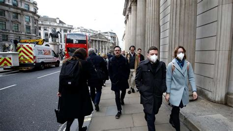 Another lockdown for Britain headed? Health Minister not ...