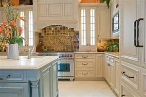 46 fabulous country kitchen designs ideas With kitchen colors with white cabinets with woven basket wall art