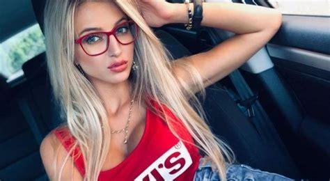 Hot Car Selfies Barnorama