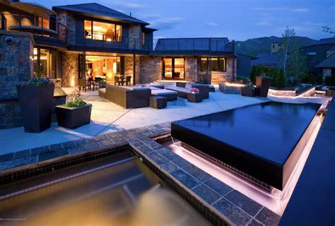 million mountaintop contemporary mansion  aspen  homes   rich