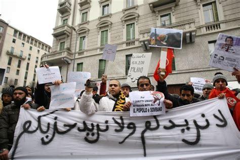 consolato tunisia a foto il presidio davanti al consolato tunisino 1 di 10