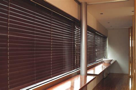 store vénitien bois store v 233 nitien bois cordon stores de