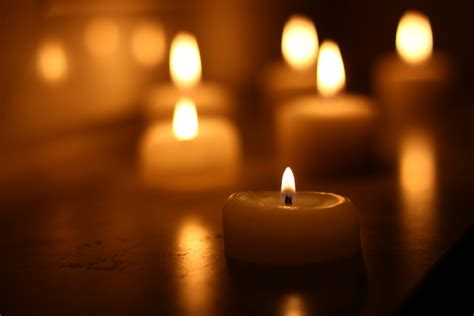 como prevenir incendios causados por velas