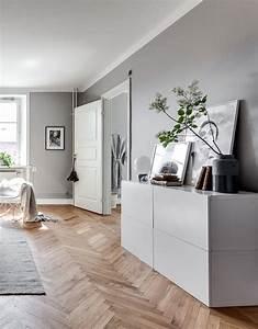 salon appartement haussmanien meubles blancs scandinaves With tapis chambre bébé avec plantes fleuries d appartement