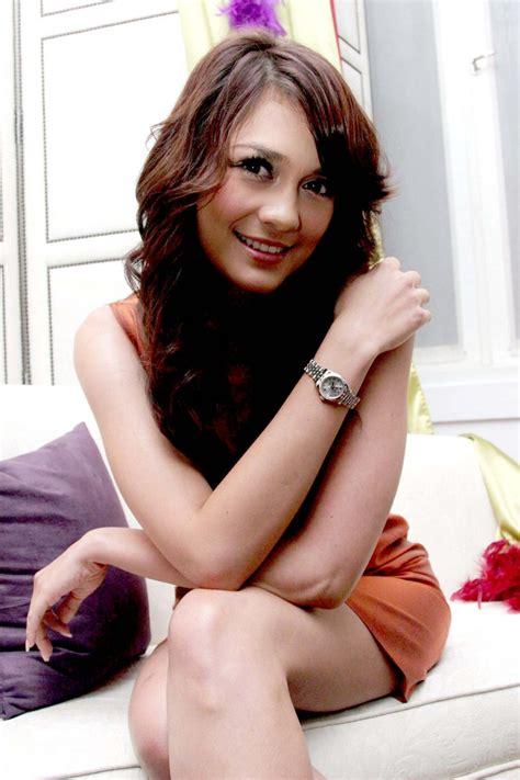 Luna Maya And Ariel Peterpan Leaked Hotel Room Indonesian Celebrity Sex Tape Hot Sex Video