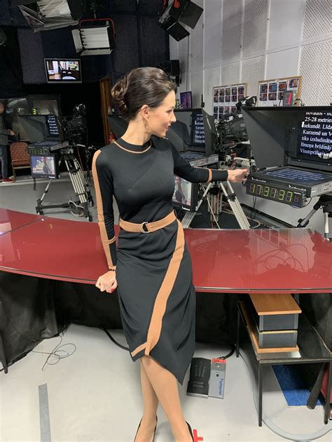 LTV laika ziņu meitene Ramona Salmiņa saņem kritiku par ...