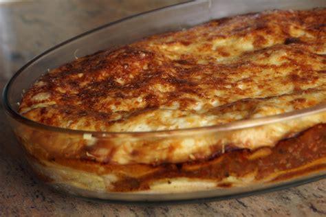 cuisiner des lasagnes lasagnes à la bolognaise recette des lasagnes à la