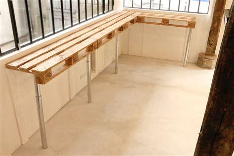 table de cuisine en palette tuto une table haute en palettes loisirs créatifs