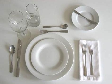 picture of table setting for dinner formal dinner clipart 22