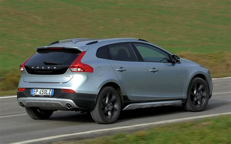 Volvo V40 Cross Country Hd Picture by 2012 Volvo V40 Cross Country Wallpapers And Hd Images
