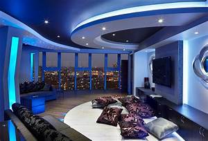 Blue and white interiors living rooms kitchens bedrooms for Kitchen colors with white cabinets with derouleur papier wc
