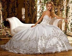 Kleidung Hochzeitsgast Frau : 57 unglaubliche kleider f r hochzeit ~ Frokenaadalensverden.com Haus und Dekorationen