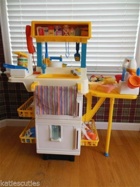 cuisine fisher price vintage fisher price play kitchen with food cupcake