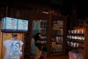 Wandering Oakens Trading Post Frozen Wonderland Streets Of America Hollywood Studios Vacation