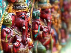Why Hindus Worship Idols? - Boldsky.com