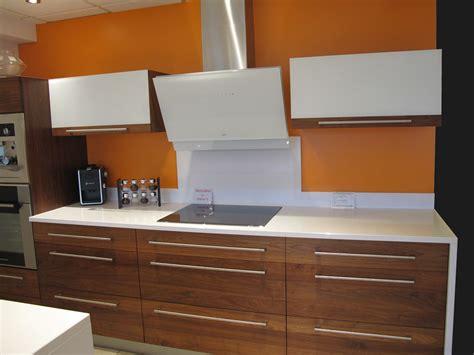 cuisine en noyer galerie cuisines meubles lagrange