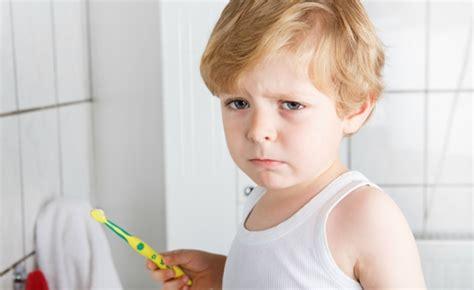 Brushing-kids-teeth