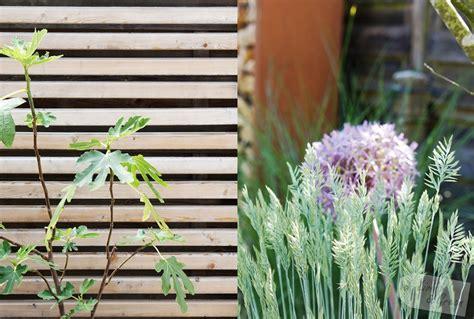 Sichtschutz Garten Wenig Platz by Sch 246 N Versteckt Sichtschutz Im Garten Living Green